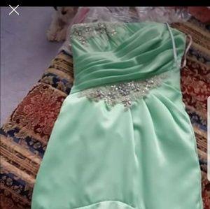 NWOT green mermaid prom dress